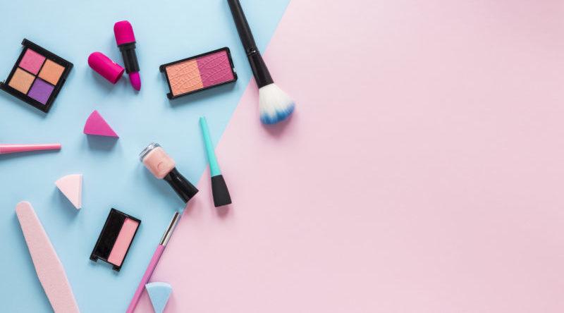 Ressarcimento de despesas com maquiagem e manicure